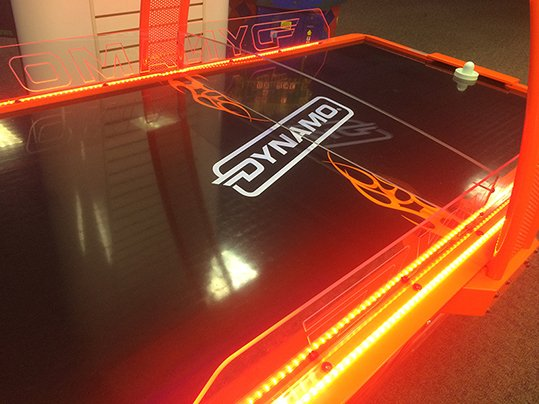 Amusement Air Hockey